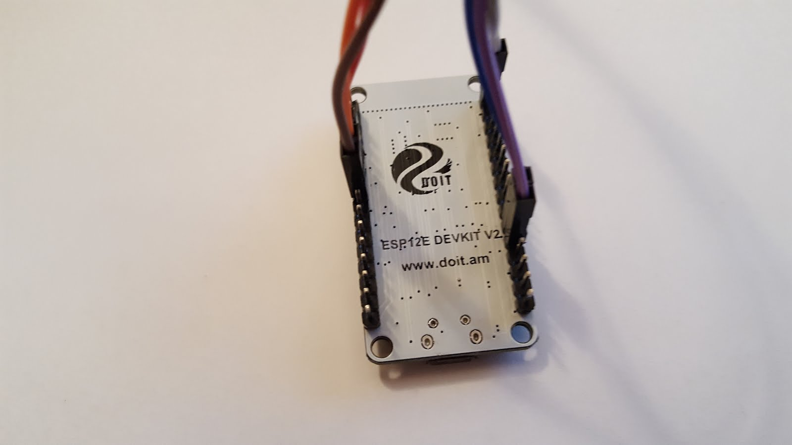 Reading DHT22 and Light sensor data using NodeMCU dev board