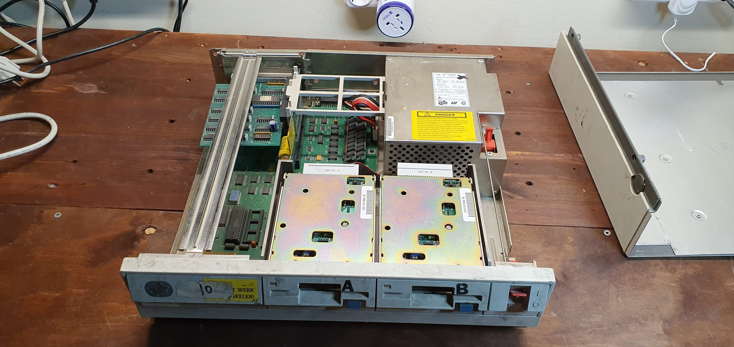 ibm-ps2-30-before-cleaning-3-internals