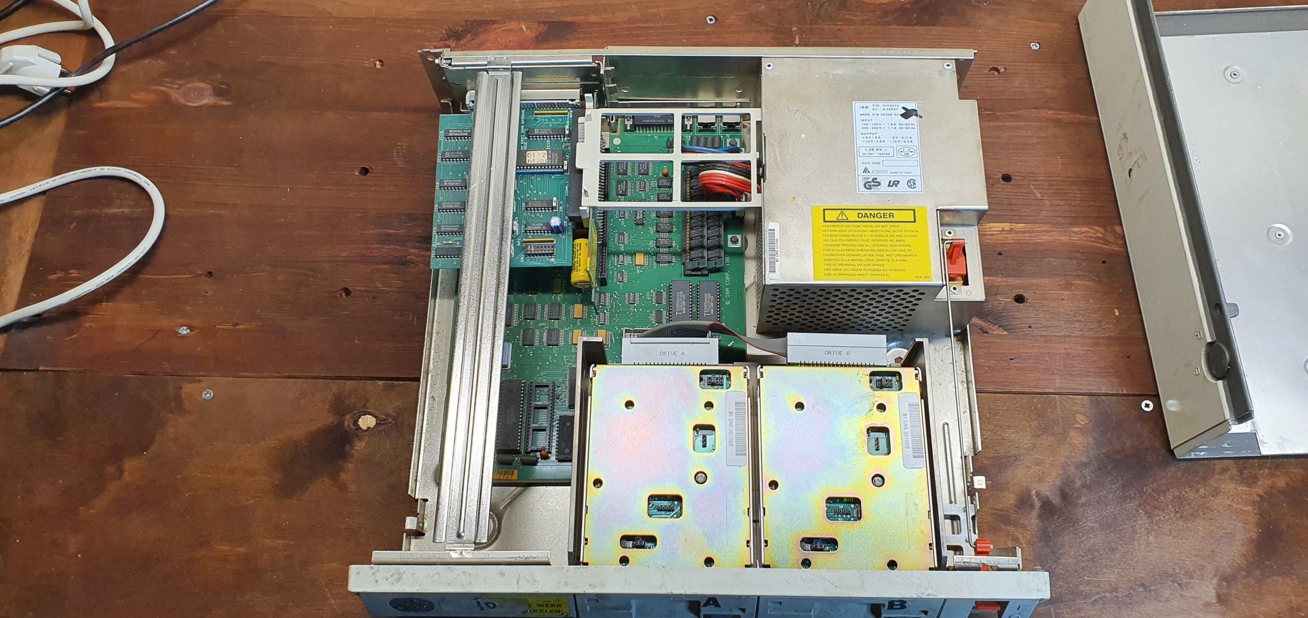 ibm-ps2-30-before-cleaning-4-internals